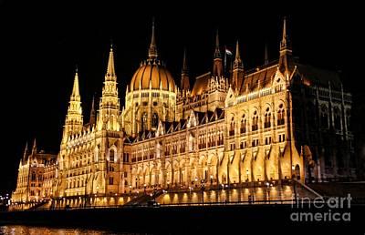 Hungarian Parliament Building Print by Mariola Bitner