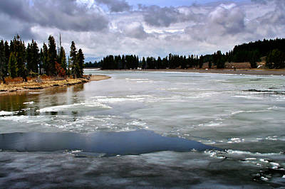 Yellowstone National Park Digital Art - Ice On The Yellowstone River by Ellen Heaverlo