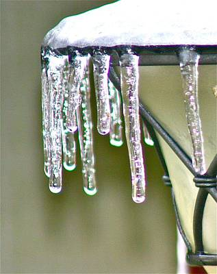 Icicles Photograph - Icicles by Shirley Mailloux