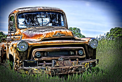 International Truck Alone And Rusting Print by William Havle
