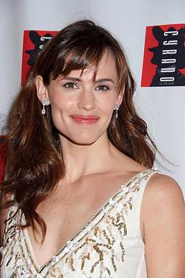 Jennifer Garner Wearing An Oscar De La Print by Everett