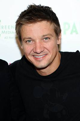 Jeremy Renner At Arrivals For 2009 Print by Everett