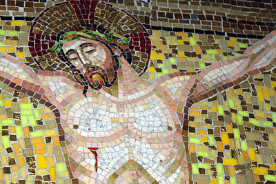 Jesus On The Cross Mosaic Print by Munir Alawi
