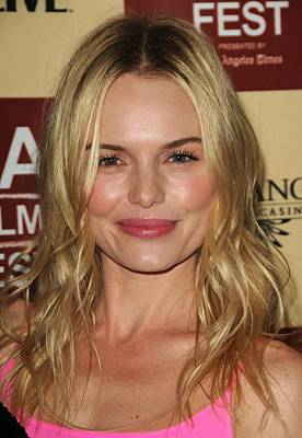 Dark Roots Photograph - Kate Bosworth At Arrivals For Lfe by Everett