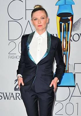 Topknot Photograph - Kirsten Dunst At Arrivals For The 2011 by Everett