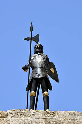 Knights Castle Photograph - Knight Armor. by Fernando Barozza