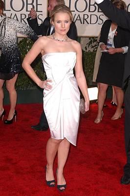 Beverly Hilton Hotel Photograph - Kristen Bell Wearing A Jasmine Di Milo by Everett