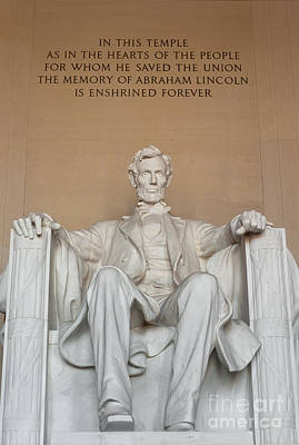 Lincoln Memorial Photograph - Lincoln Memorial II by Clarence Holmes