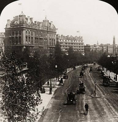 London: Embankment, 1908 Print by Granger