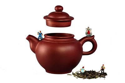 Making Green Tea On A Clay Teapot Print by Paul Ge