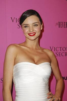 Beverly Hilton Hotel Photograph - Miranda Kerr At Arrivals For Victorias by Everett