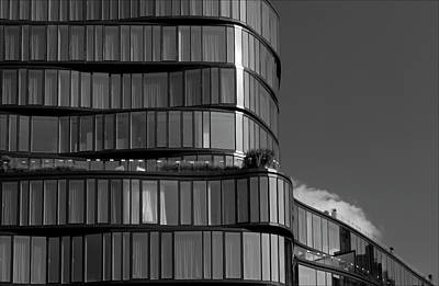 Modern Building Chelsea Nyc Print by Robert Ullmann