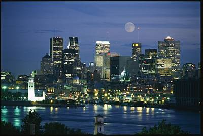 Moonrise Over The Montreal Skyline Print by Richard Nowitz