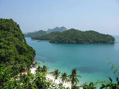 Photograph - Mu Ko Ang Thong Marine National Park by Nawarat Namphon