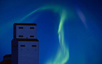 Northern Lights And Grain Elevator Print by Mark Duffy