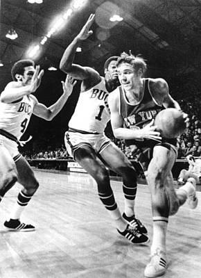 Ny Knicks Dave Debusschere Print by Everett