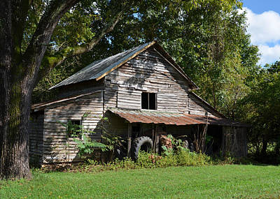 Farm Photograph - Old Barn Dobbins Mill - C0670a by Paul Lyndon Phillips