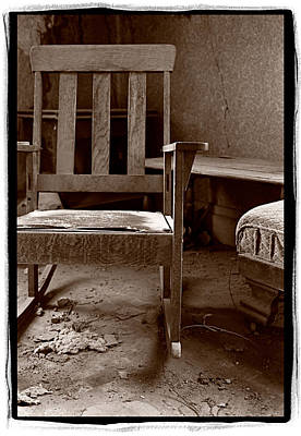 Old Chair Bodie California Print by Steve Gadomski
