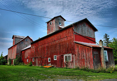 Old Granary IIi Print by Steven Ainsworth