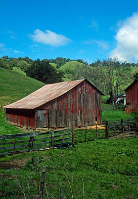 Old Red Barn Print by Kathy Yates