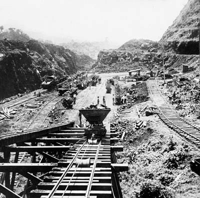 Panama Canal - Construction At The Culebra Cut - C 1910 Print by International  Images