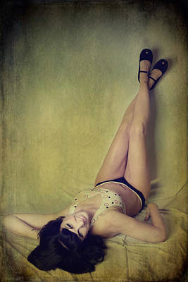 Brunette Digital Art - Pin Me Up by Laurie Search