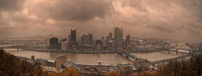 Pittsburgh Skyline 1 Print by Wade Aiken