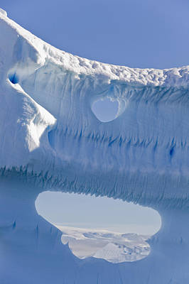Portion Of A Gigantic Iceberg Print by Ron Watts