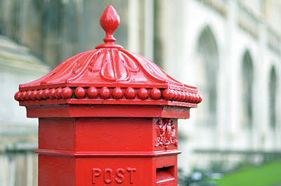 Cambridge Photograph - Post Box ,royal Mail by Denise Couturier