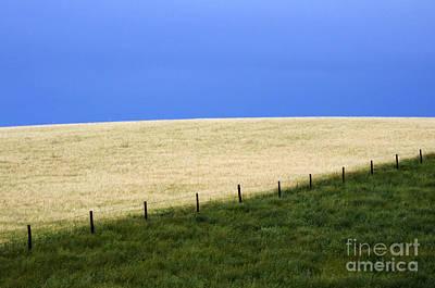 Alberta Prairie Landscape Photograph - Prairie Horizon by Bob Christopher