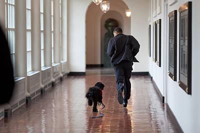 Obama Family Photograph - President Barack Obama Runs by Everett