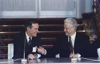 President George H. W. Bush And Russian Print by Everett