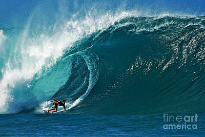 Oahu Photograph - Pro Surfer Evan Valiere Surfing In The Pipeline Masters Contest by Paul Topp