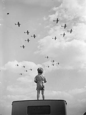 Raf Photograph - Raf Formation by PNA Rota