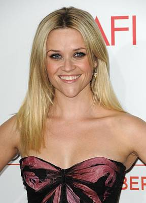 Dark Roots Photograph - Reese Witherspoon At Arrivals For How by Everett