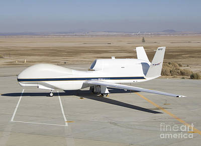 Rq-4 Global Hawk Aircraft Print by Photo Researchers