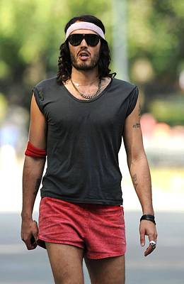 Paparazziec Photograph - Russell Brand On Location For Filming by Everett