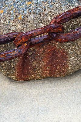 Rusty Chain Print by Richard Thomas
