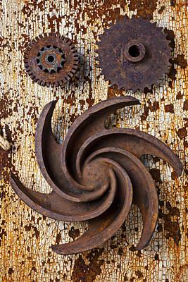 Rusty Gears Print by Garry Gay