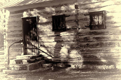 Cabin Window Photograph - Salado Log Cabin Back Door by Linda Phelps
