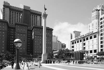 San Francisco - Union Square - 5d17933 - Black And White Print by Wingsdomain Art and Photography