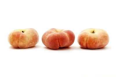 Peach Photograph - Saturn Peaches  by Fabrizio Troiani