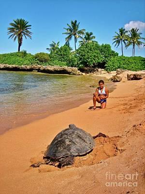 Sea Turtle At Laniakea Print by Joe Finney