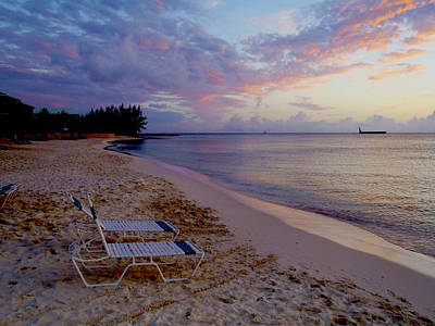 Seven Mile Beach Sunset Print by Carey Chen