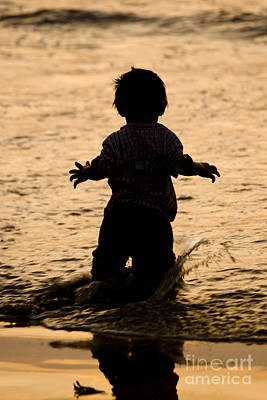 Silhouette Photograph - Silhouette Of A Child 2 by Carole Lloyd
