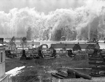 U.s Army Photograph - Smoke Screen Around Manhattan by Underwood Archives