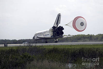 Braking Photograph - Space Shuttle Discoverys Drag Chute by Stocktrek Images