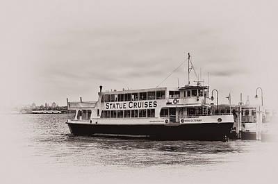 Liberty Island Digital Art - Statue Cruises - Liberty Island by Bill Cannon