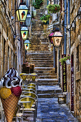 Dubrovnik Photograph - Street Lane In Dubrovnik Croatia by David Smith