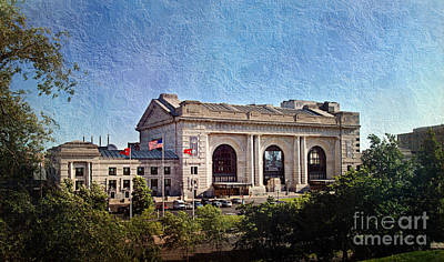 Historic Architecture Mixed Media - Sun Rising On Union Station In Kansas City Tv by Andee Design